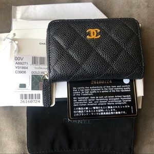 💥Weekend Sale💥Auth Chanel zipped coin purse GHW